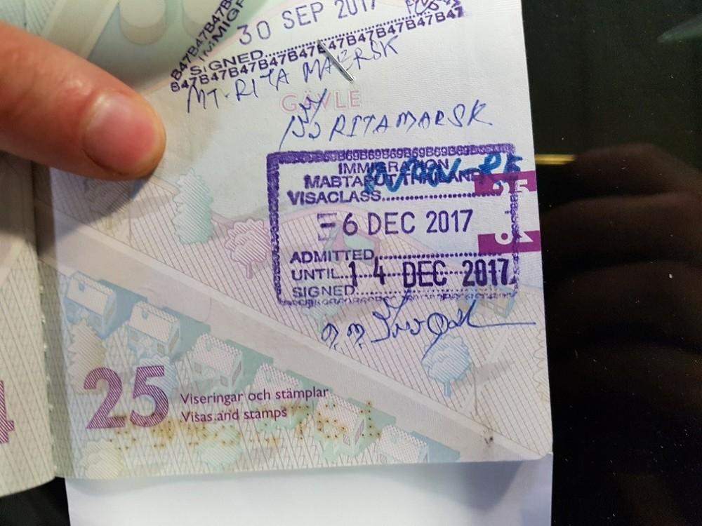 Visa.thumb.jpg.0448f715ba67ce83f9cb32900cd7159b.jpg